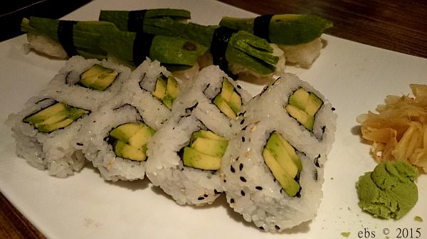 Sushi med avokado er min favoritt!